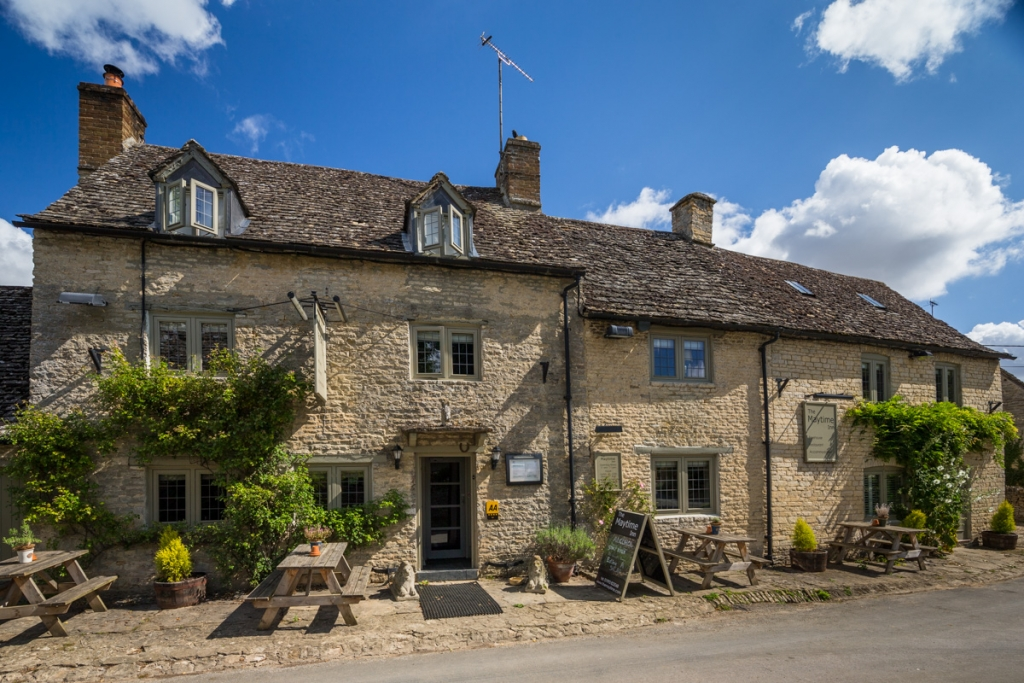 The Maytime Inn, Asthall