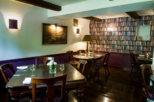 The-Cotswold-Plough-Library-Restaurant