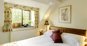 The-Cotswold-Plough-Bedroom