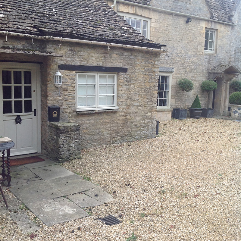 Shill House Cottage, Alvescot, Bampton holiday cottage